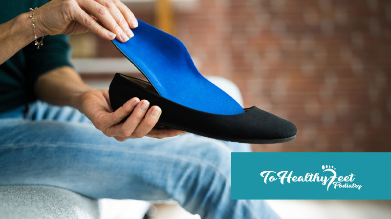 How A Podiatrist Can Treat Plantar Fasciitis And Flat Feet With Custom Made Orthotics and Insoles